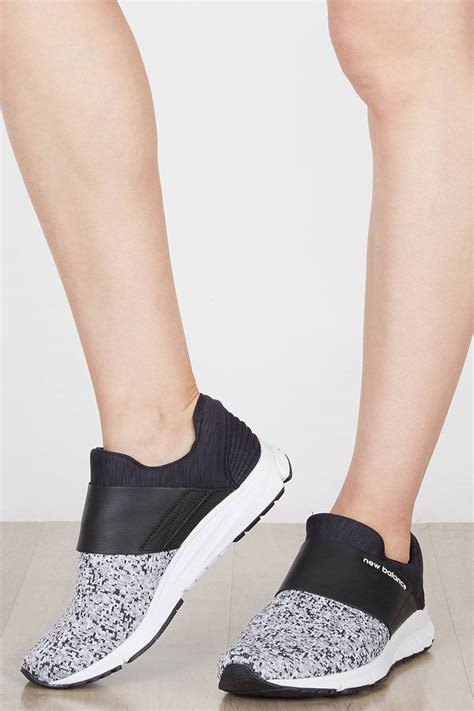 Sepatu Sneaker Lifestyle Slip On Kasual Wanita Vjm 018 sell new balance womens lifestyle slip on pack