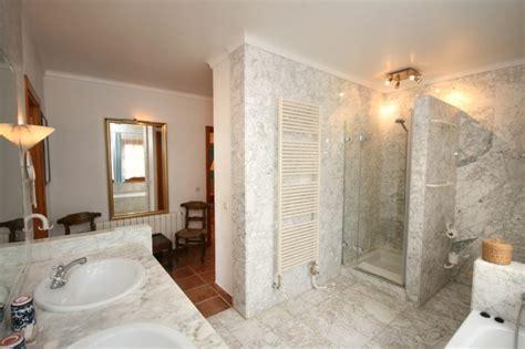badezimmerdusche designs bilder gemauerte dusche als blickfang im badezimmer vor und