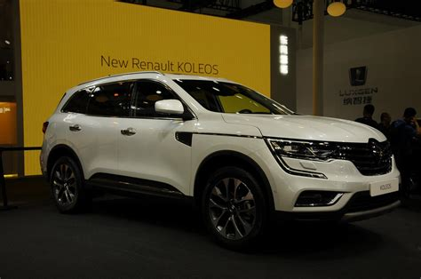 renault suv 2017 2017 renault koleos has a hint of volvo xc90 in first