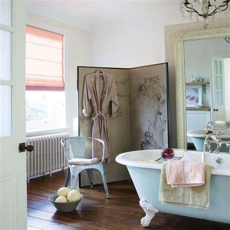 glamorous bathroom country style ideas vintage florals