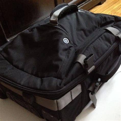 Sepato Oklay oakley sold oakley carry on luggage roller new 22 quot from