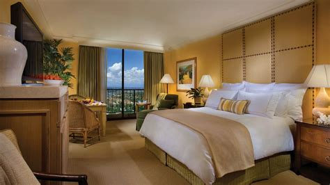 Newport Hotels With In Room by Island Hotel Newport Greater Los Angeles California