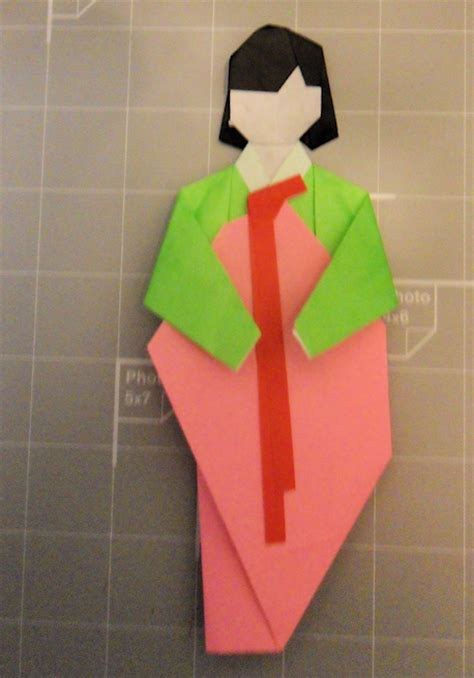 Korean Origami - origami hanbok by giderick on deviantart