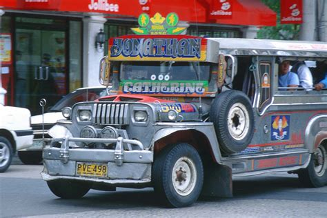 jeepney philippines pilipinoy the art of riding jeepney in the philippines