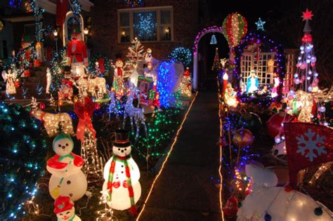 where to see the best christmas lights around boston the