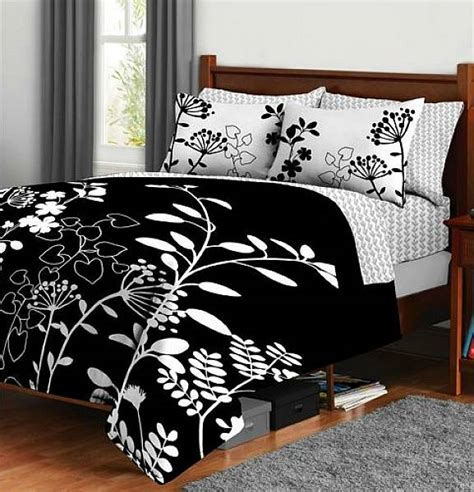 beautiful floral botanica bedding set in black and white