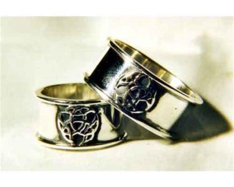 Eheringe Keltischer Knoten by Handgearbeitete Keltische Eheringe Aus Silber Mit Knoten