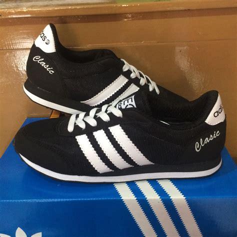 Sepatu Adidas Neo Clasic Blue V adidas classic neo