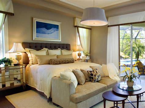 ways  display bedroom frames hgtv