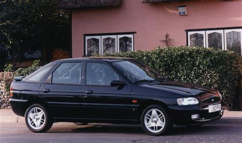 ford escort hatchback    parkers