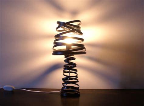 curl  light moderne tischlampe von dima loginoff