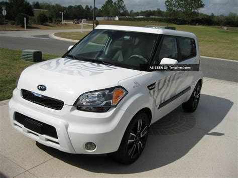2011 kia soul special limited edition white tiger