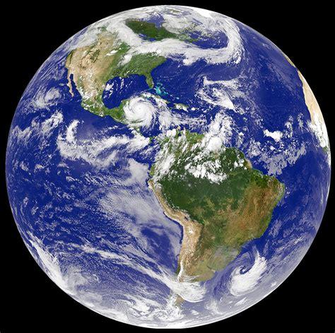 la tierra que pisamos 8432232831 191 la tierra es m 225 s gruesa en el ecuador