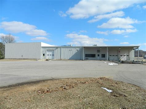 commercial building for lease family farm