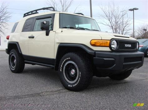 blue book value used cars 2010 toyota fj cruiser windshield wipe control 2013 toyota fj cruiser new car prices reviews kelley blue book autos weblog