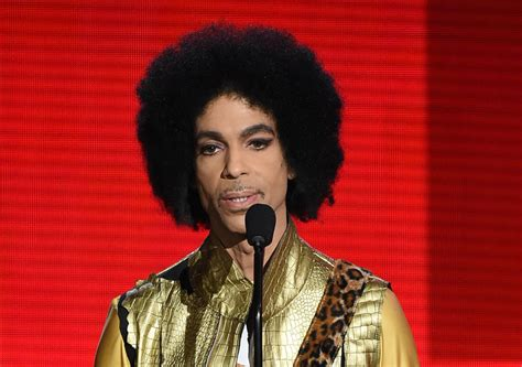 2016 musicians and singers who have died prince rushed to hospital after plane makes emergency