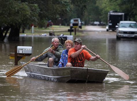 boat show houston today texas floods union pacific train derails as rains soak