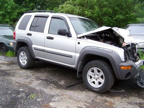 crashed jeep liberty sell used 2002 jeep liberty sport clean title good