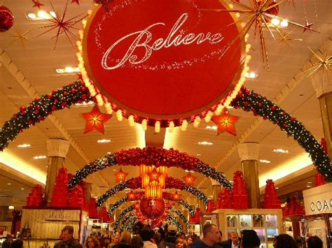 macy s christmas light show image gallery macy s holiday