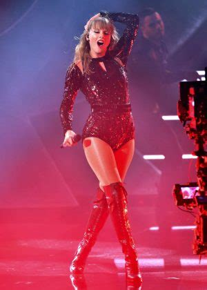 taylor swift ama awards 2018 youtube taylor swift performs at 2018 american music awards in la