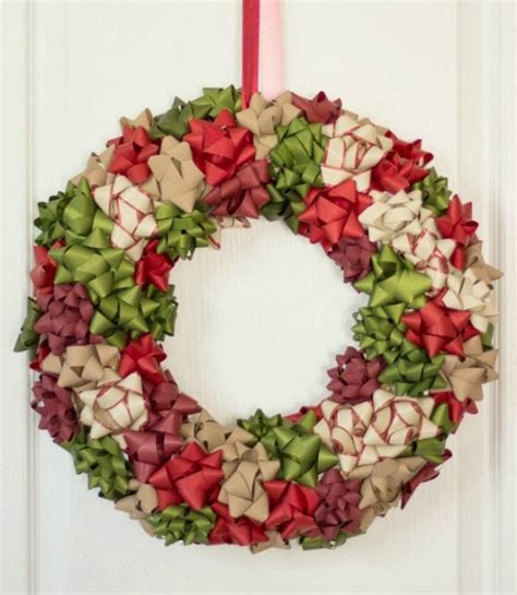 how to decorate wreath 21 diy wreath decorating ideas