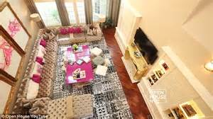 kandi burruss living room real of atlanta s kandi burruss reveals the top home daily mail