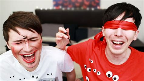 Review Dan Eyeshadow Makeover Dan And Phil Blindfolded Makeup Challenge