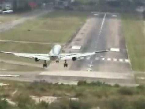 citilink landing di terminal berapa pesawat landing dan take off videolike