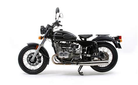 Retro Motorrad A2 by Top 10 Best Looking Modern Classics Visordown
