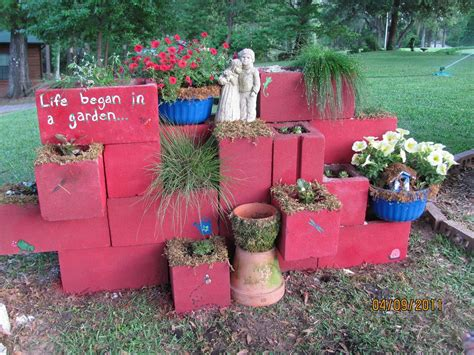garden wall paint ideas the best cinder block garden ideas for your sweet home