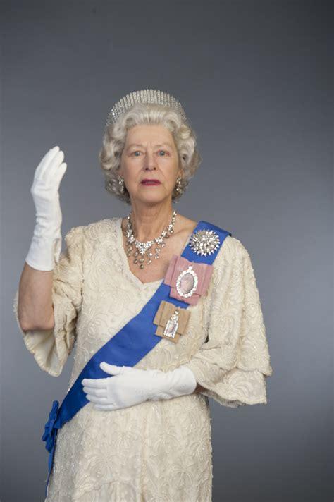 the queen of the carolyn sadowska her majesty the queen hattie s heist