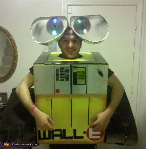 homemade wall  costume