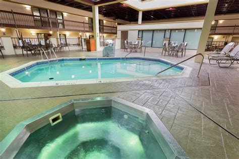 low cost hotel downtown st louis city center near the gateway arch drury inn suites convention center st louis mo 2017 room prices deals reviews expedia