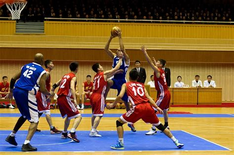 Playes Of Mba That Play On Korea by Photos Rodman And Team Play Basketball For Jong Un S