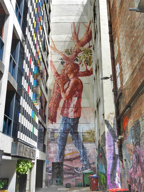 find   melbourne street art map included