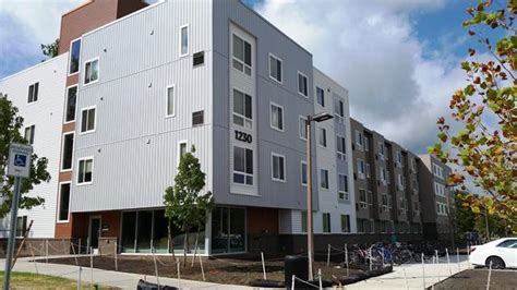 msu move in weekend poses challenges for housing officials