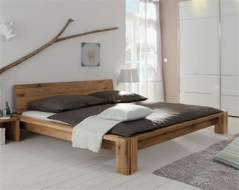 holz betten 25 best ideas about bett holz on bettgestelle