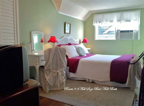 full size bed for small room room 8 small colorful bright and sunny full size bed