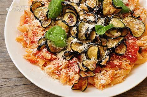 cucina pasta alla norma ricetta pasta alla norma le ricette dello spicchio d aglio