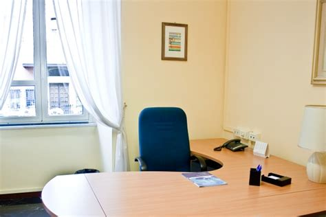 ufficio temporaneo roma executive service roma noleggio uffici arredati roma day