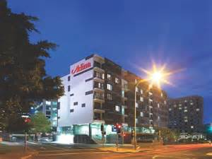 the sydney airport adina apartment hotel review