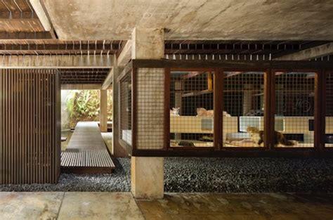 house desain rumah beton iklim tropis versi andra matin