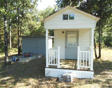 Small House For Sale In Homagama Tiny Houses On Zillow And Yahoo Real Estate Tiny House Pins