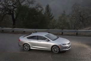 Chrysler 200 2015 Mpg 2015 Chrysler 200 Awd Epa At 18 29 22 Mpg Motor Trend