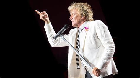 Rod Stewart 7 rod stewart apologizes for mock beheading real rock j 96