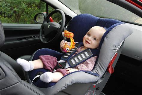 Kinder Auto Vorne Sitzen Schweiz by Airbag Panne Baby Alarm In Der C Klasse Magazin Von Auto De