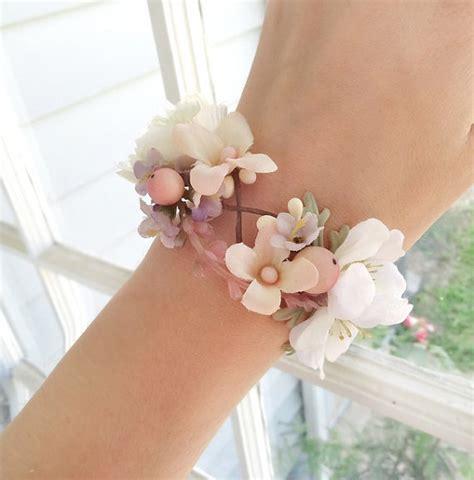 Korsase Wedding Braidsmate seidenkleider wedding corsage wrist bridal cuff 2226837 weddbook