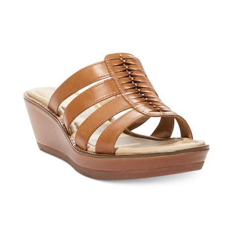 hush puppies wedges hush puppies 174 womens roux platform wedge sandals in brown medium beige lyst