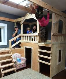 Twin Canopy Beds For Girls by Best 20 Indoor Tree House Ideas On Pinterest Tree House
