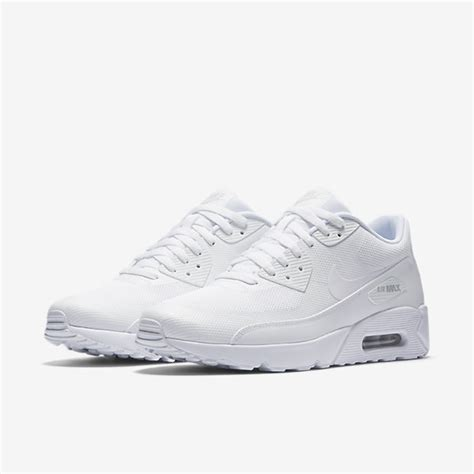 Nike Sportswear Air Max 90 Ultra 20 Essential Sepatu Olahraga nike air max 90 ultra 2 0 essential price